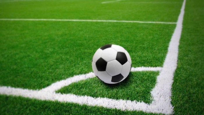 Cung đá phạt góc sân 5 người